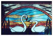 фото витражные лебеди