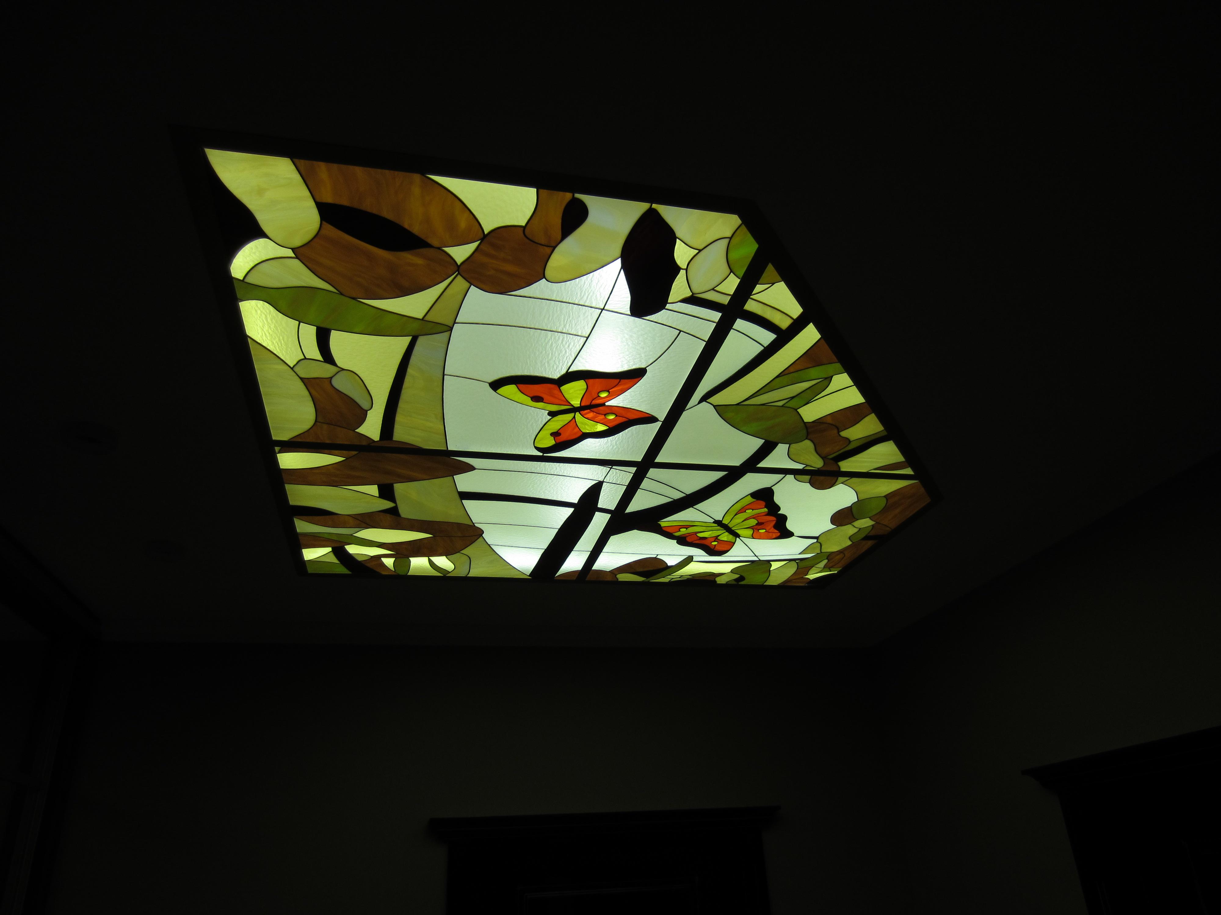 фото витражные бабочки